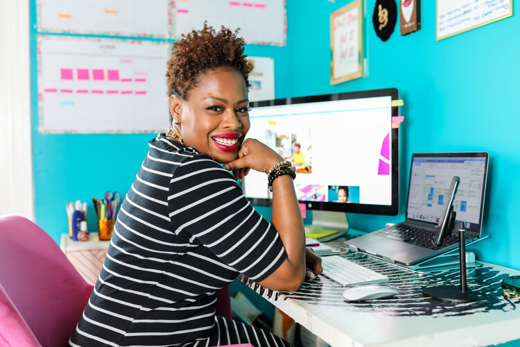 EP59: The Art To Landing A Great Remote Job You'll Love with Libryia Jones